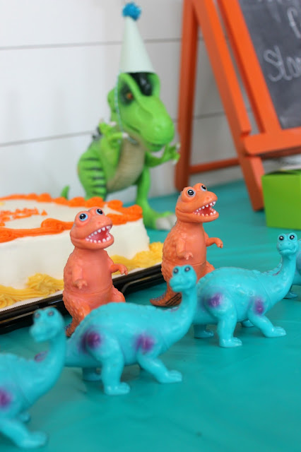 dinosaur birthday favors
