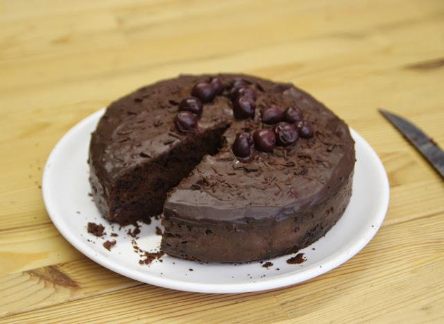 https://cuillereetsaladier.blogspot.com/2016/06/gateau-fondant-au-chocolat-et-aux.html