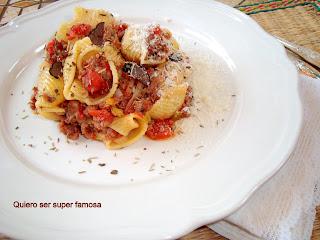 http://cosas-mias-y-demas.blogspot.com.es/2013/01/galets-con-salsa-de-carne.html