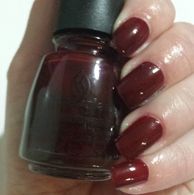 Deep-rich-vampy-red-nail-polish-jelly-finish