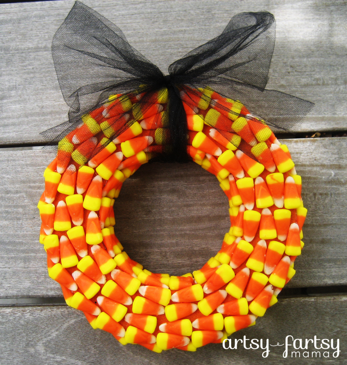 Candy Corn Wreath at artsyfartsymama.com #Halloween #wreath