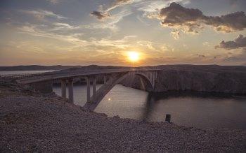 Wallpaper: Watching the Bridge at Sunset