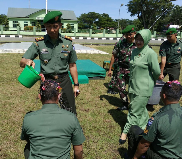 Anggota Kodim Aceh Jaya Naik Pangkat Karena Istri