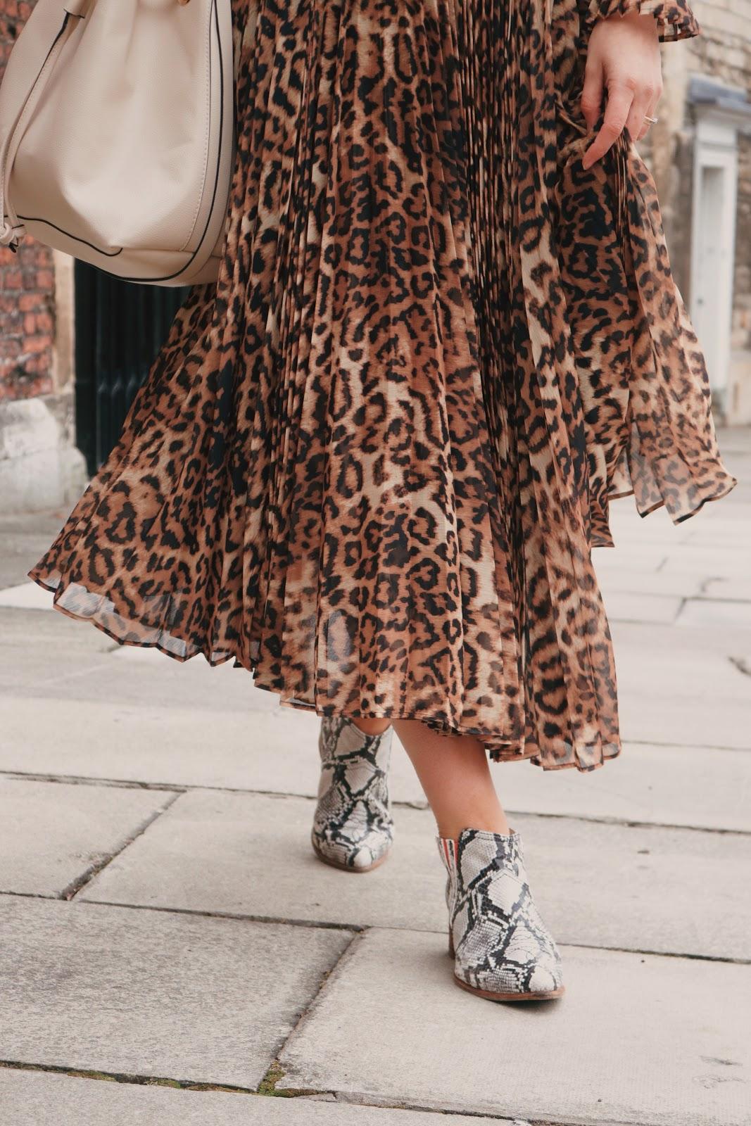 Snake skin boots fashion ideas