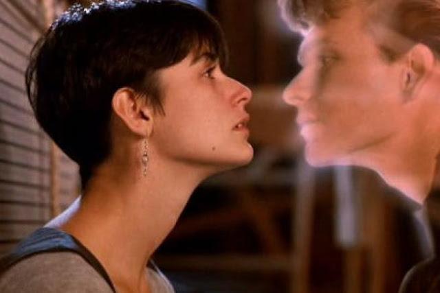 Demi Moore et Patrick Swayze dans Ghost, réalisé par Jerry Zucker (1990)