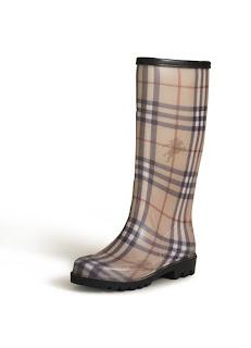 Per le più Fashion ecco gli stivali di gomma ma di Burberry e Gucci dfc1f68273b8