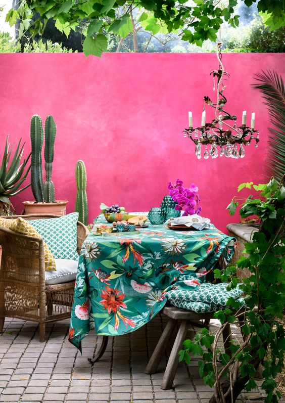 http://www.redonline.co.uk/interiors/decorating-ideas/how-to-make-your-home-feel-like-a-holiday