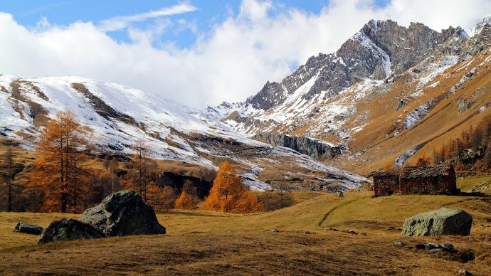 Wallpaper: Autumn in the Valle di Champorcher