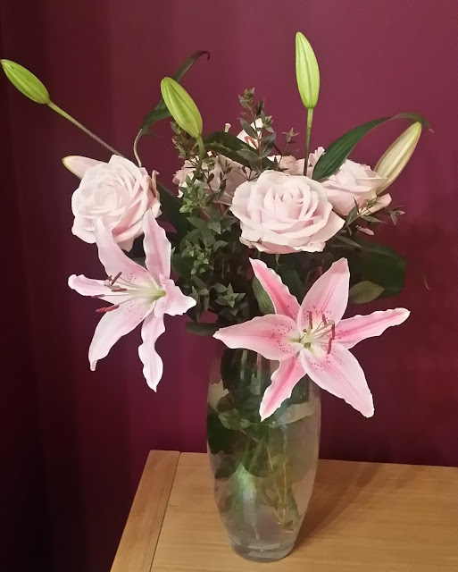 Valentine's Bouquet from Blossoming Gifts and exclusive 33% discount code!