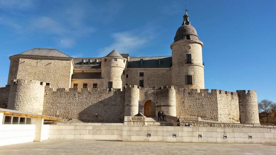 Castillo de Simancas, Archivo General de Simancas, dónde se recogen todos los papeles pertenecientes a la corona.