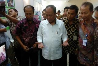 Mentri Susi Borong 100 Kapal Peralon