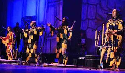 Foto de Alborada cantando en el escenario