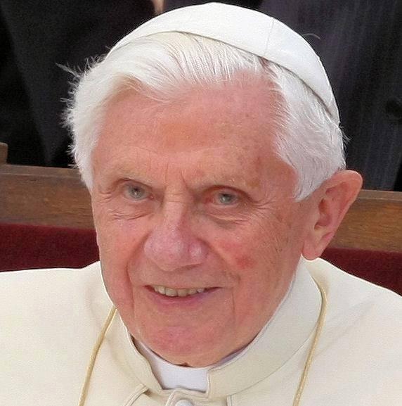 Risultati immagini per Benedetto XVI bello