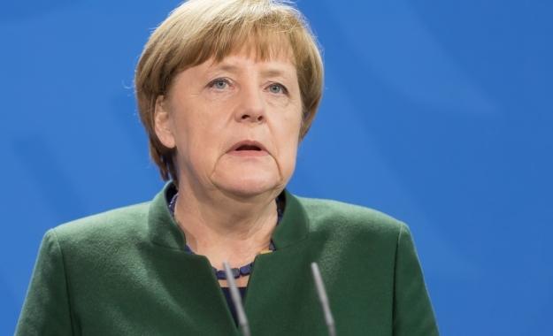 """Μέρκελ: """"Η ΕΕ θα αποφασίσει για την αναστολή ή τη διακοπή των ενταξιακών συνομιλιών με την Τουρκία"""""""