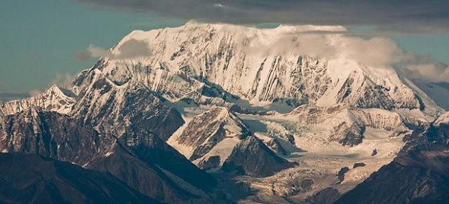 Τι έψαχνε για δεκαετίες η CIA και το FBI κάτω από το όρος Χέιζ στην Αλάσκα; (BINTEO)