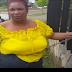 Mujer se encadena puerta entrada ayuntamiento Stgo: exige solución conflicto por franjas ruta HV