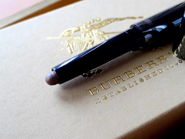 √\Burberry Eye Color Contour Smoke and Sculpt Pen Dusky Mauve Review, Photos, Swatches