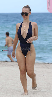 Bianca-Elouise-in-Swimsuit-803+%7E+SexyCelebs.in+Exclusive+Celebrities+Picture+Galleries.jpg