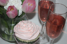 Living Cloud Nine White Chocolate Pink Moscato Cupcakes