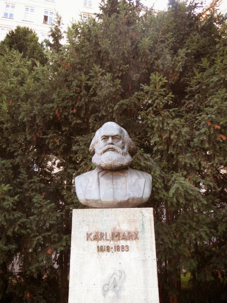 פסלו של מרקס