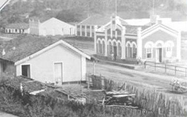 Estação Ferroviária de Baturité em meados de 1920. Autor  Ralph Mennucci  Giesbrecht d8c2ea9e00