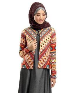 Contoh baju batik kombinasi blazer wanita muslimah