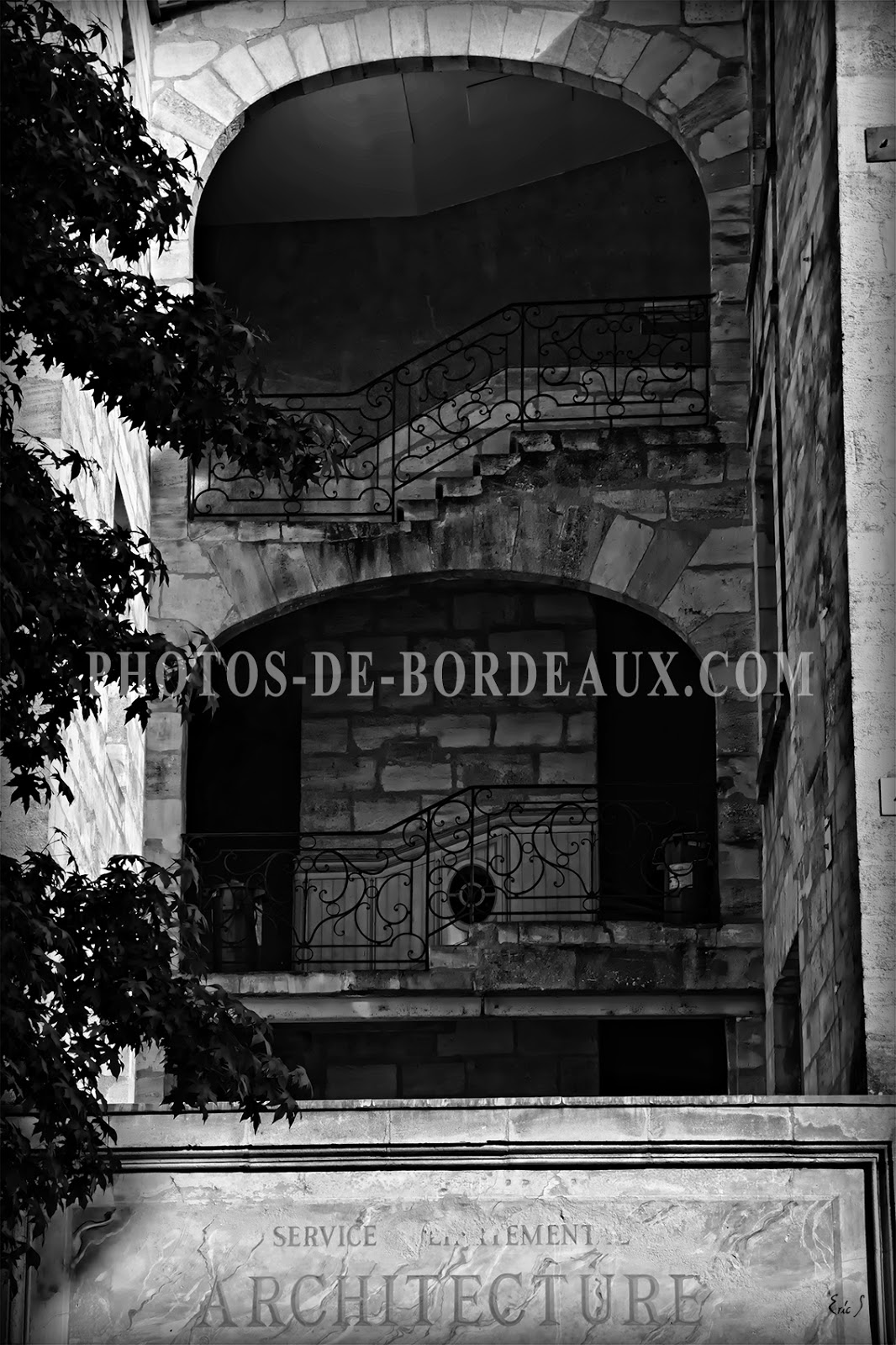 architecture dans le vieux bordeaux. Black Bedroom Furniture Sets. Home Design Ideas
