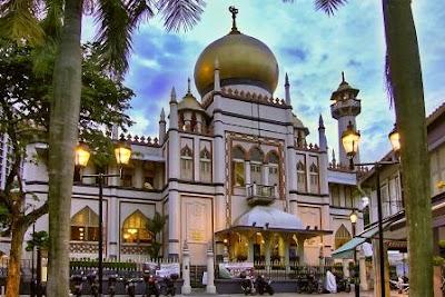 Masjid Sultan Singapura Tampak Depan