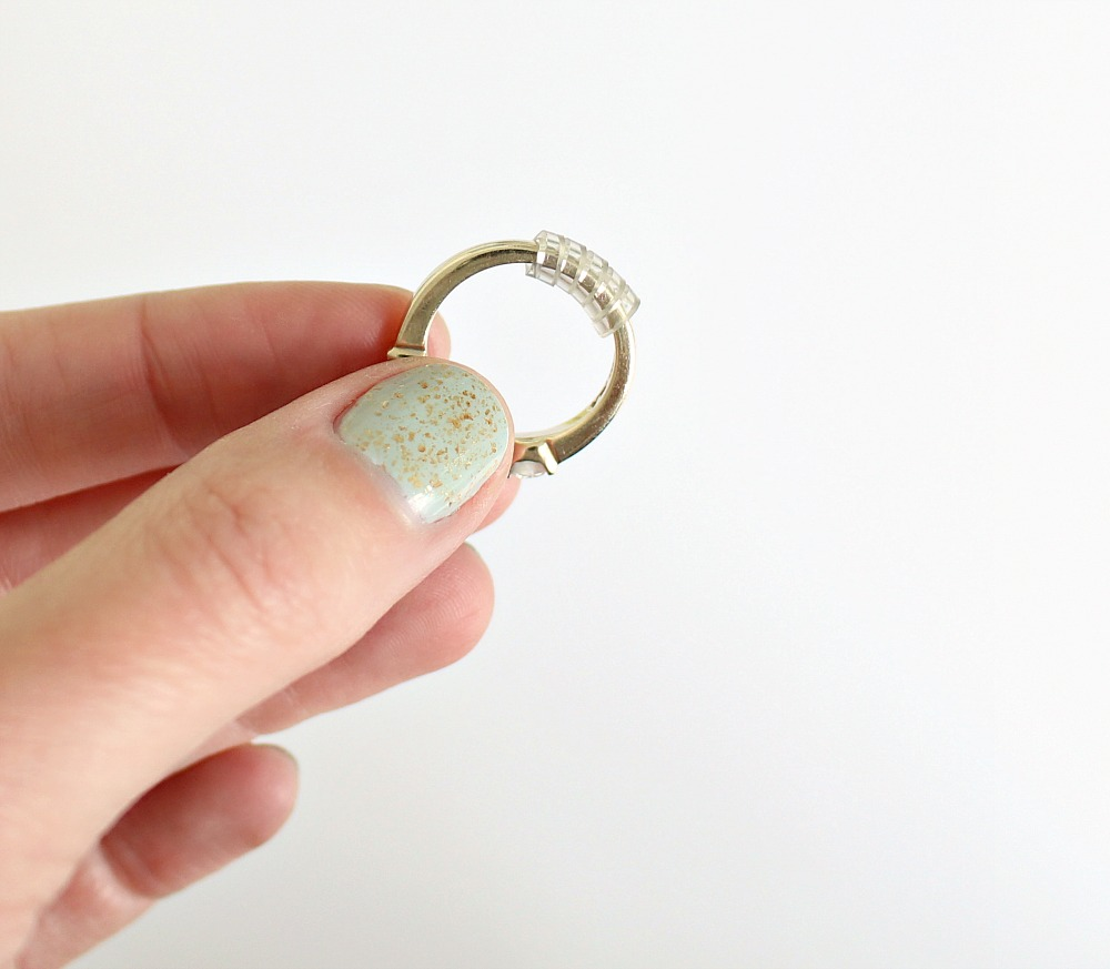 How to Temporarily Make a Ring Smaller