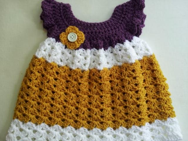 vestido de bebê feito em crochê
