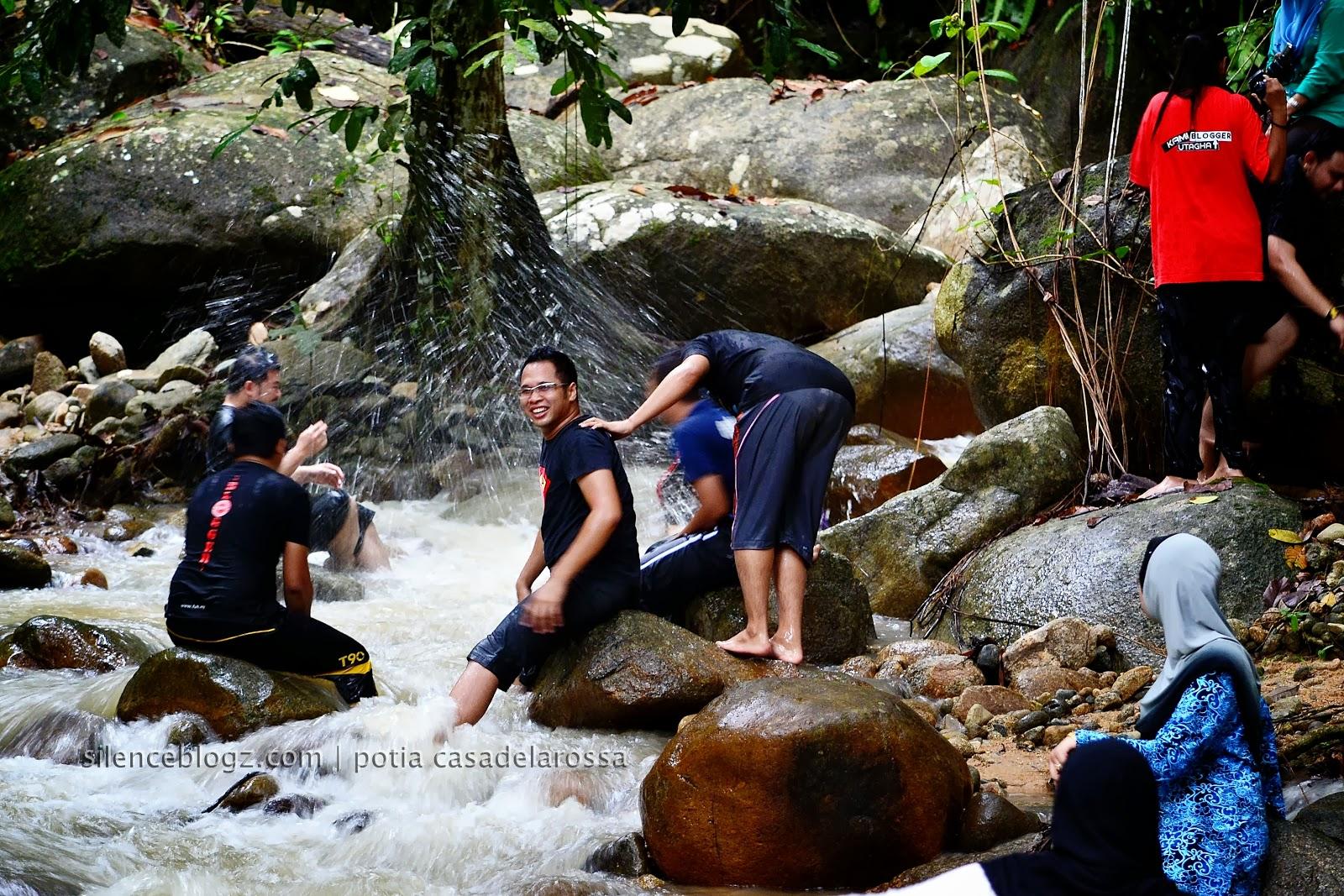 aktiviti mandi air terjun di Kg.Beng