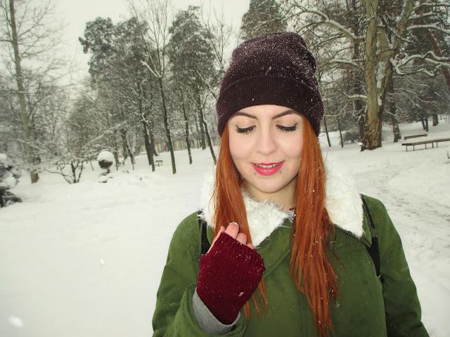 zaful, recenzija, jakna, zima, snijeg, topla odjeća, zimske jakne, crvena kosa, narančasta kosa, ginger girl, blogeri, balkan, moda, stil, plave oči, zelene oči, osmijeh, pirs, snakebites piercing