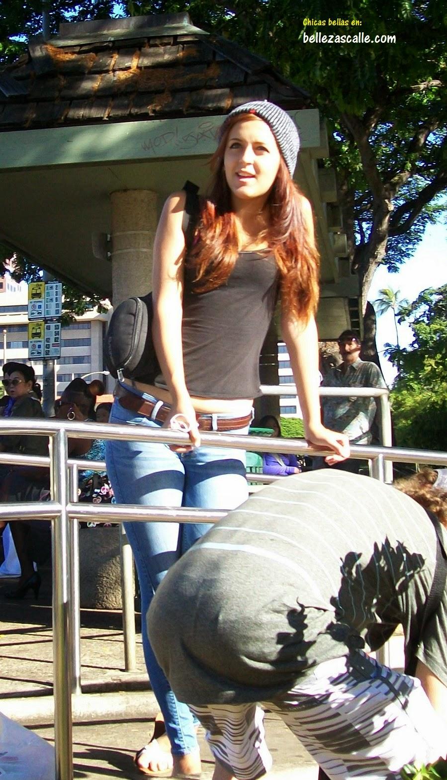Candid jovensita por la ciudad piernas largas culona - 5 8