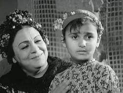 """""""الطفلة عزة فؤاد"""" التي أدت دور الفنانة شادية مرتين"""