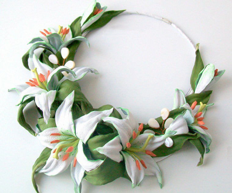 DIY Necklace for a Bride: Tenderness of Lilies. Tutorial