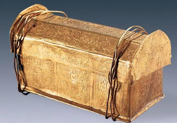 O crânio, possivelmente de Buda, fo.i achado em uma pequena urna dourada