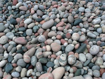 Tukang taman Surabaya Jual Batu Gravel