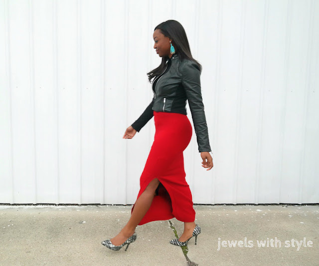 how to wear a red skirt, how to wear skirts its cold, jewels with style, personal stylist in ohio, fashion facebook groups, groups for womens style on facebook, the best facebook group