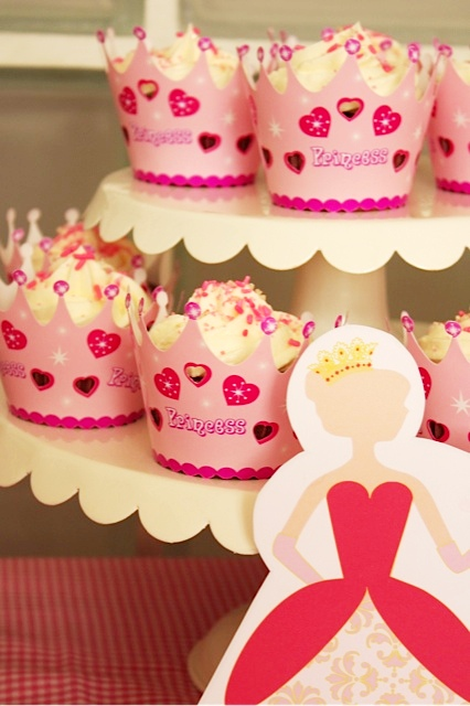 Pink Princess Ice Cream Birthday Party - via BirdsParty.com