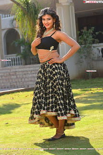 Hebah Patel in Spicy Black Choli and Ghagra HD Pics  008.jpg