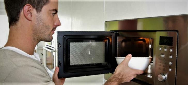 微波爐的發明無意間促進了「獨自用餐」的風氣