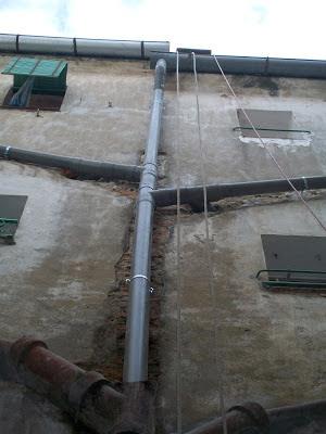 foto-bajante desagues baños por fachada