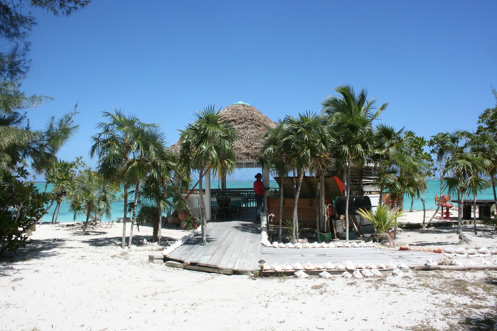 Pelican Beach Hotel North Caicos Barracuda Bar And Grill