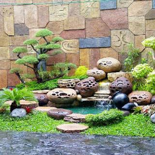 taman dengan dekorasi tebing