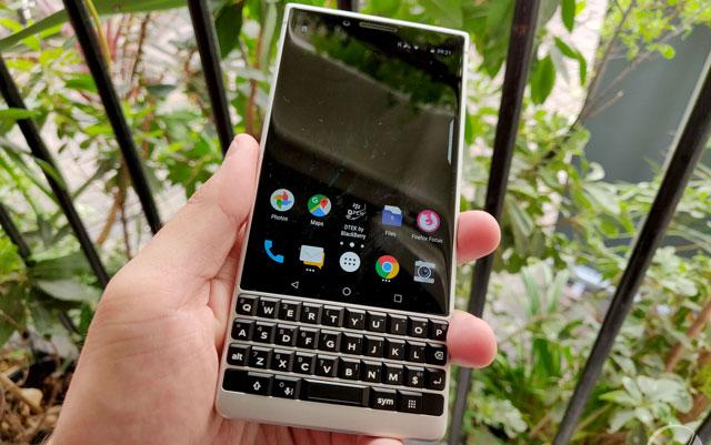 سعر و مواصفات هاتف BlackBerry Key2