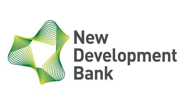 La NDB ( Nouvelle banque de développement) BRICS est configurée pour favoriser une plus grande coopération financière et de développement entre les pays émergents. Elle aura son siège à Shanghai en Chine et son premier directeur général est originaire d'Inde. Le président du Conseil d'administration sera originaire du Brésil et le président inaugural du Conseil des gouverneurs sera Russe. Elle est inaugurée officiellement le 15 juillet 2014 à l'occasion du 6e sommet des BRICS qui s'est tenu à Fortaleza au Brésil.