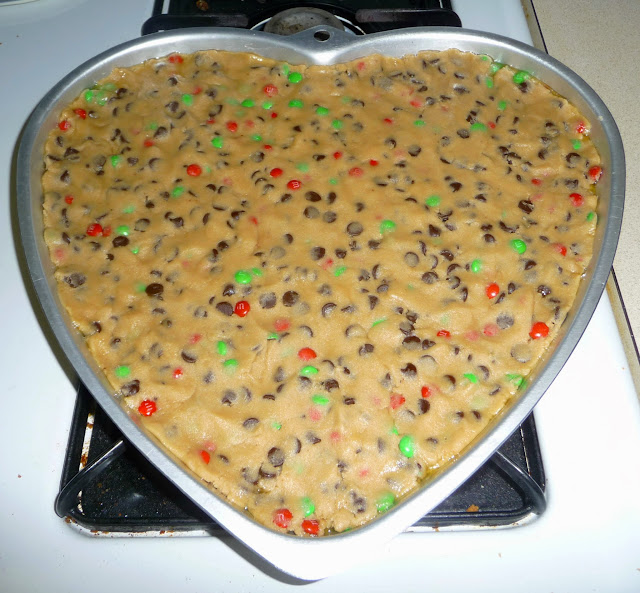 deserts, cooking/baking with kids, heart shaped cookie cake,