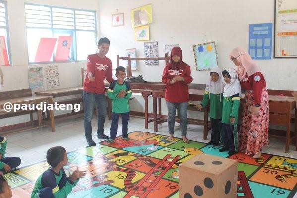 Menata Lingkungan/ Ruang Belajar di Dalam (Indoor) PAUD