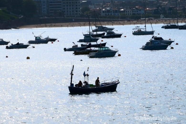 サン·セバスティアンの美しい海と船《La Concha, Donostia-San Sebastián》