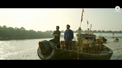 Dhingana Song | Raees, shahrukh khan in boat image, photos, wallpaper, cover pictures